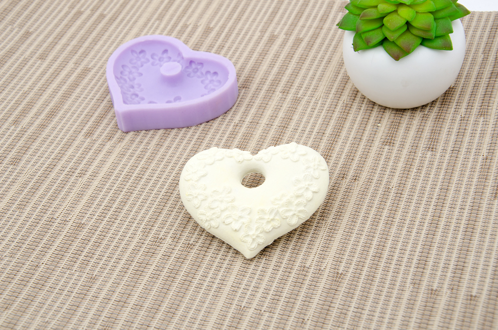 SILICONE MOLD 8X6.5X1.2CM MLD031 HEART
